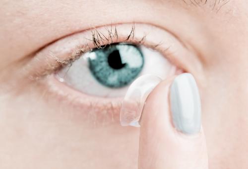 bra linser för torra ögon